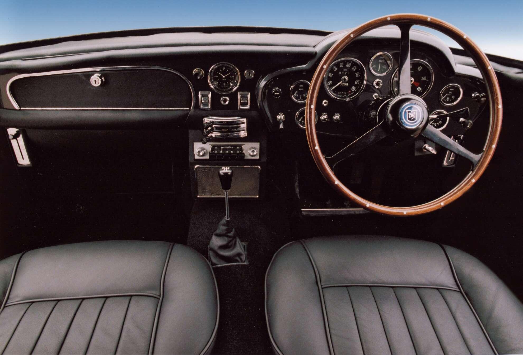 Aston Martin DB5 Interieur Cockpit