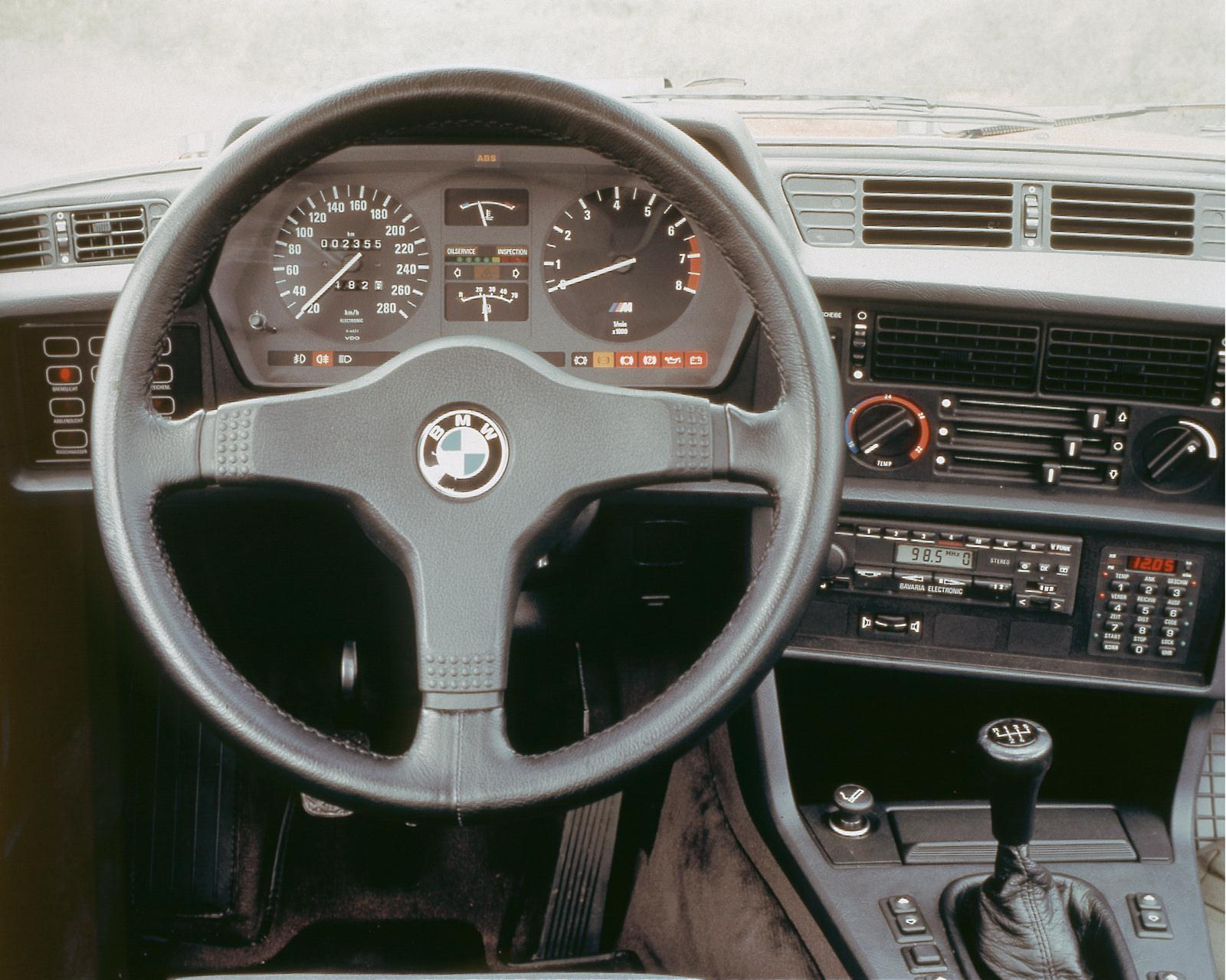 Armaturenbrett BMW E24
