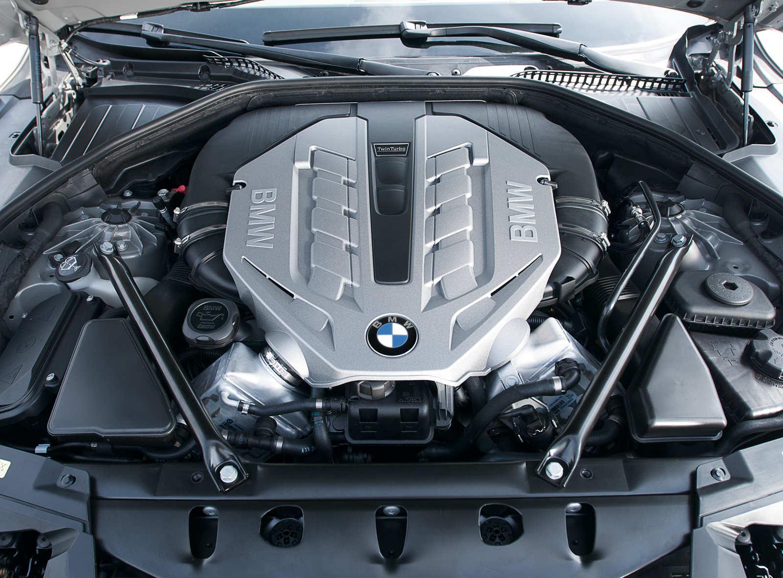 BMW 750i F01 Motor