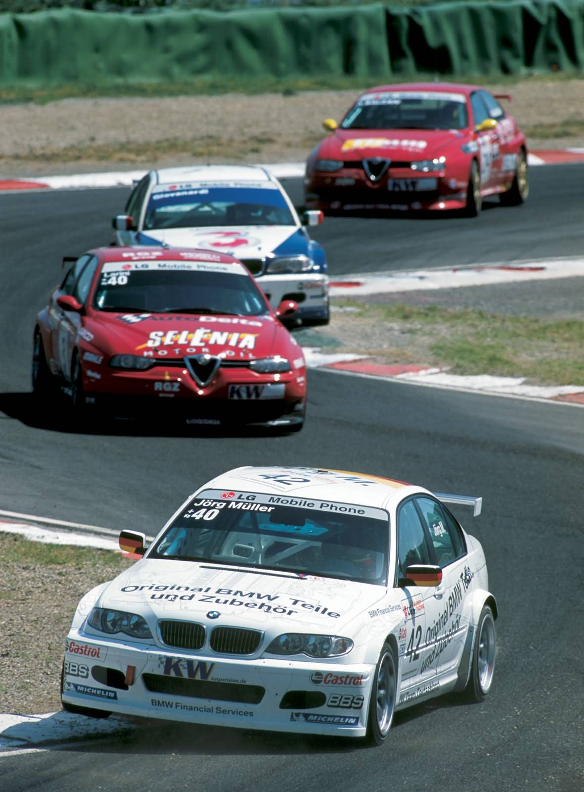 ETCC 2003 - BMW 320i vorne Jörg Müller (DEU) hinten Pergusa (ITA)
