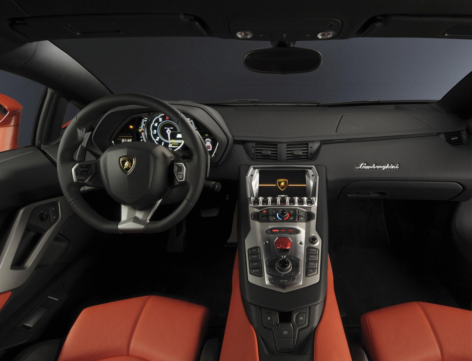 Lamborghini LP 700-4 - Innenausstattung