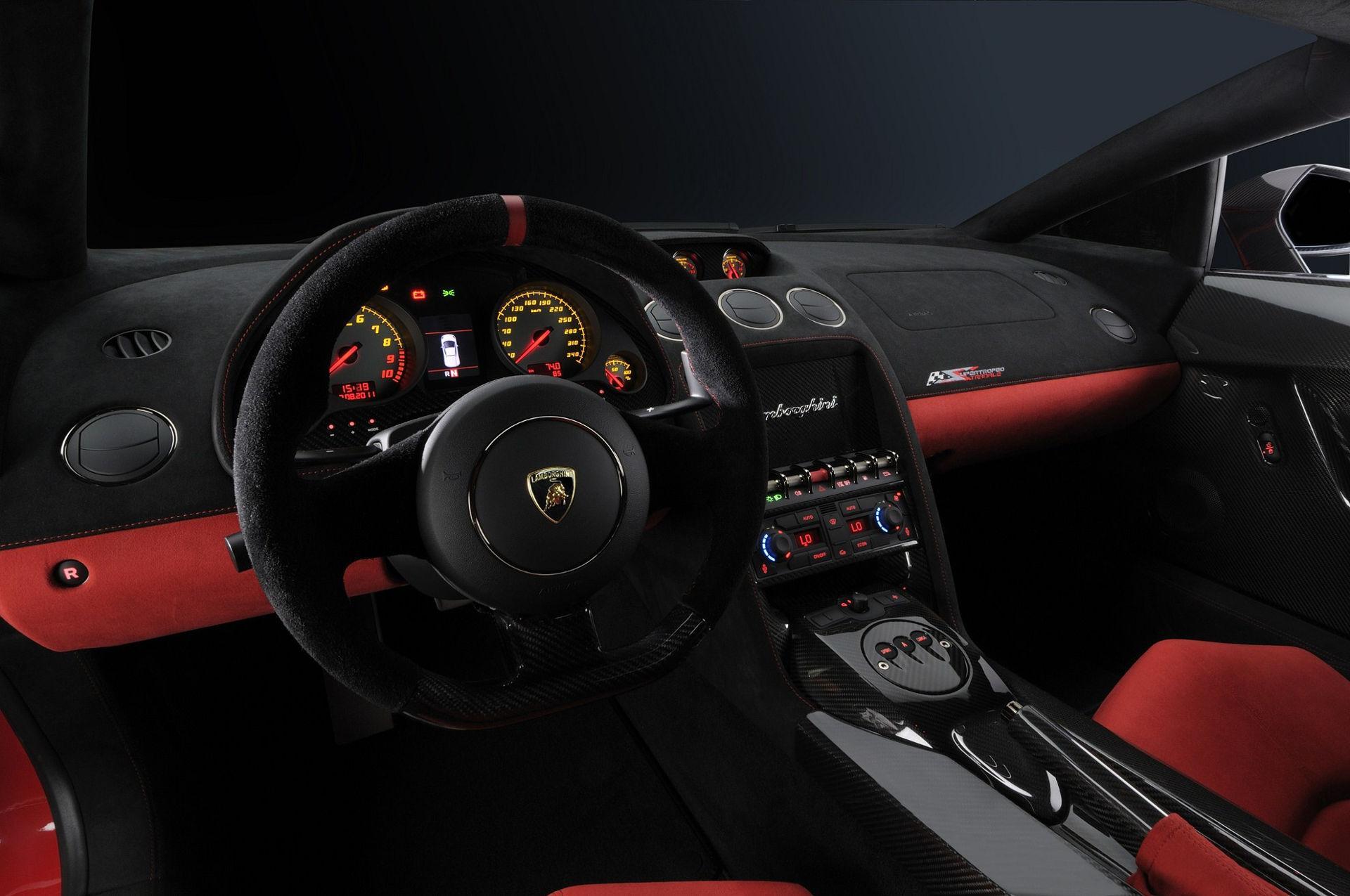 Lamborghini Gallardo LP 570-4 Super Trofeo Stradale - Innenraum