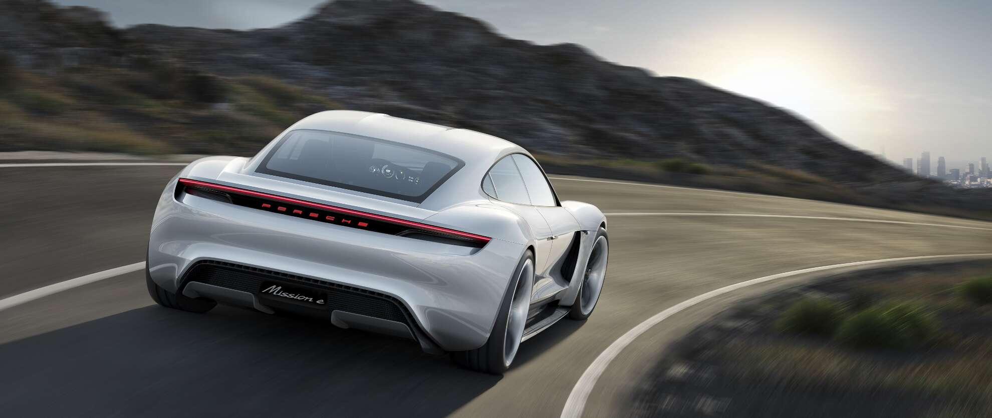 Porsche Mission E Exterieur Heckansicht