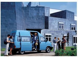 VW-T4-Bus-mit-Hochdach-