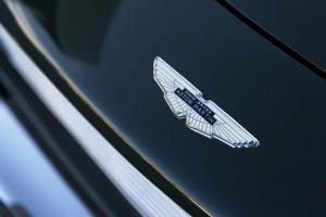 Aston-Martin-DB5-Detail-Logo