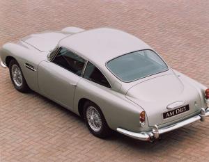 Aston-Martin-DB5-Exterieur-2