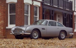 Aston-Martin-DB5-Exterieur-Seitenperspektive
