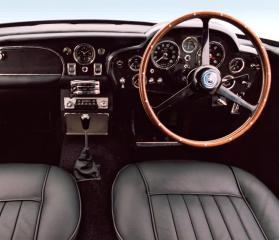 aston-martin-db5-interior
