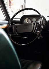 audi-100-coupe-s-cockpit