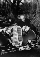 august-horch-mit-horch-853-sport-cabriolet-1936