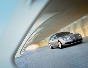 bentley-continental-flying-spur-205-2013-wallpaper