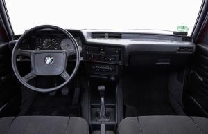 BMW-316-E21-Cockpit