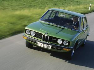 BMW-525-E12-