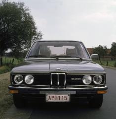 BMW-5er-E12-Frontansicht-528i