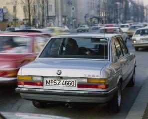 BMW-525e-E28-