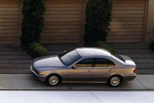 BMW-5er-E39-Seitenansicht-