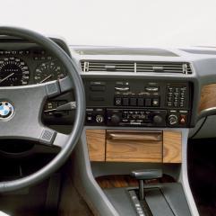 BMW-7er-E23-Cockpit