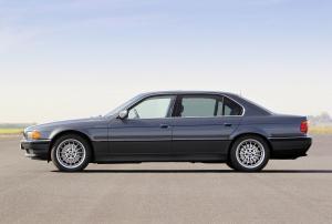 BMW-E38-750i-Seitenansicht