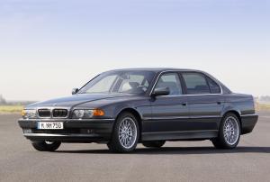 BMW-E38-750iL-12-Zylinder