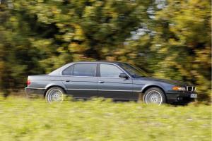 BMW-E38-750iL-3