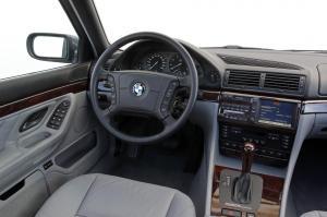 BMW-E38-750iL-Cockpit