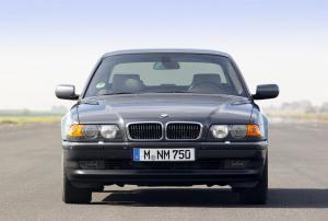 BMW-E38-750iL-Frontalansicht