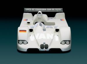 Jenny-Holzer-BMW-V12-LMR-4