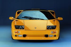 lamborghini-diablo-roadster-1996-front