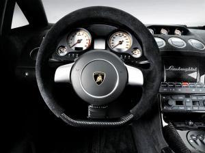 gallardo-superleggera-cockpit