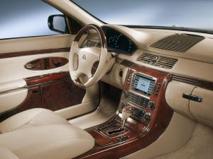 maybach-57-cockpit