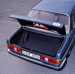 mercedes-benz-baureihe-123-kofferraum