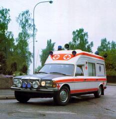 mercedes-benz-typ-123-krankenwagen