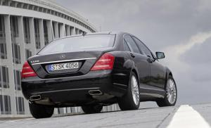 mercedes-benz-S-500-blueefficiency-aenderungsjahr-2010