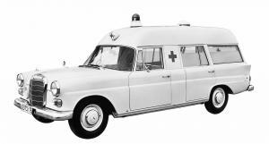 mercedes-benz-baureihe-w-110-krankenwagen