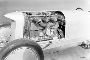 blitzen-benz-rennwagen-motor