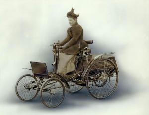 benz-patent-motorwagen-velociped-4