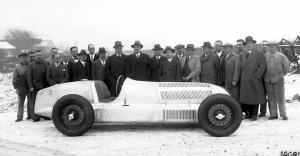 mercedes-benz-rennwagen-w-25-3