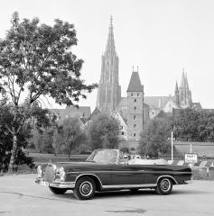 mercedes-benz-300-se-cabriolet-w-112-panorama