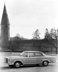 mercedes-benz-300-se-coupe-w-112-1