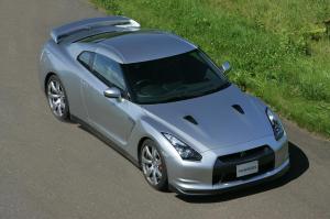 Nissan-GT-R-Modell-2007-Draufsicht-Frontperspektive