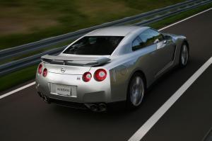 Nissan-GT-R-Modell-2007-Heckansicht
