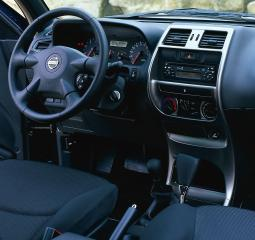 nissan-terrano-2004-cockpit