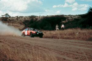 Datsun-Fairlady-240Z-bei-der-Safari-Rallye-1973
