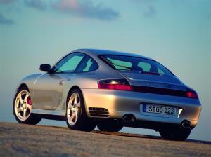 porsche-911-carrera-4s-996