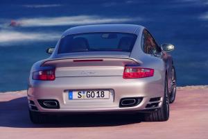 porsche-911-turbo-heck
