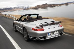 porsche-911-turbo-cabriolet-fahraufnahme
